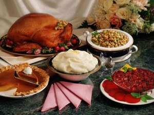 luxe_up_your_christmas_dinner_spread