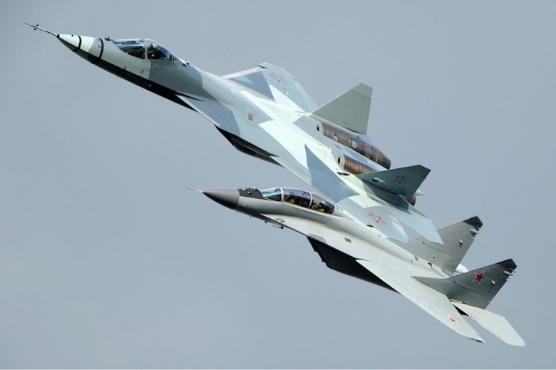 1024px-Russian_Air_Force_Sukhoi_T-50_Aoki-2_0