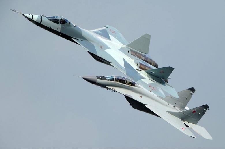 1024px-Russian_Air_Force_Sukhoi_T-50_Aoki-2_0