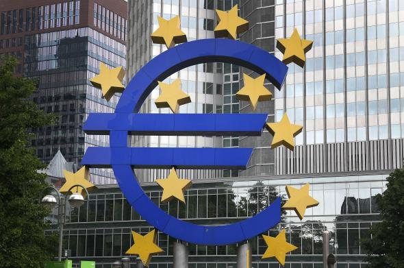 493897449-the-logo-of-the-european-currency-euro-is-pictured-in.jpg.CROP.promovar-mediumlarge