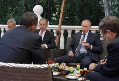 US President Barack Obama (2L) and Russi