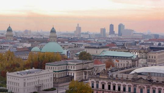 Über_den_Dächern_von_Berlin