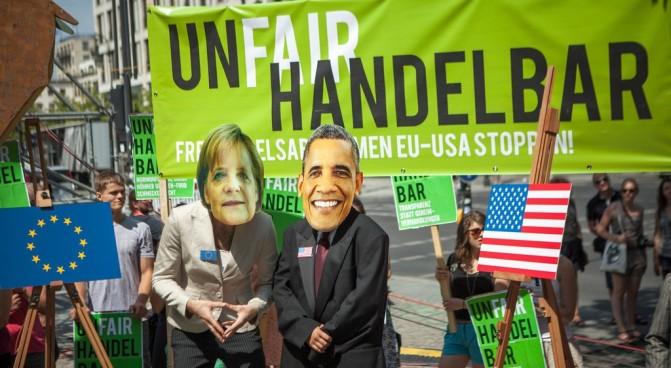 obama-merkel-prostest